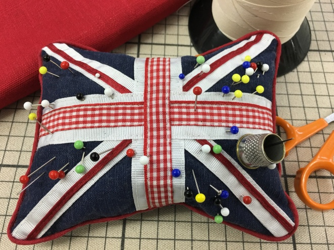 union-jack-pin-cushion